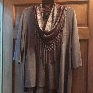 2X Gorgeous top with removable scarf